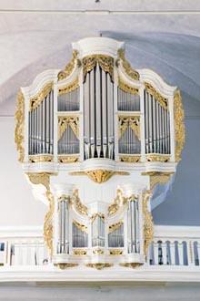 Zell (Mosel), St. Peter - Neues Orgelwerk nach Stumm im historischen Gehäuse - Weimbs-Orgel